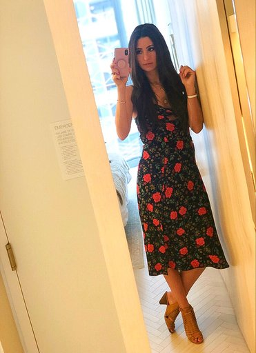 OOTD - Occasion: Lunch at Carbone and shopping in SohoAugust 2019Outfit Details:Finders Keepers, Hana Sleeveless Floral Cutout DressMERCII GEMINI NECKLACEMERCII UNITY NECKLACESimilar Vince Camuto Caged Sandals