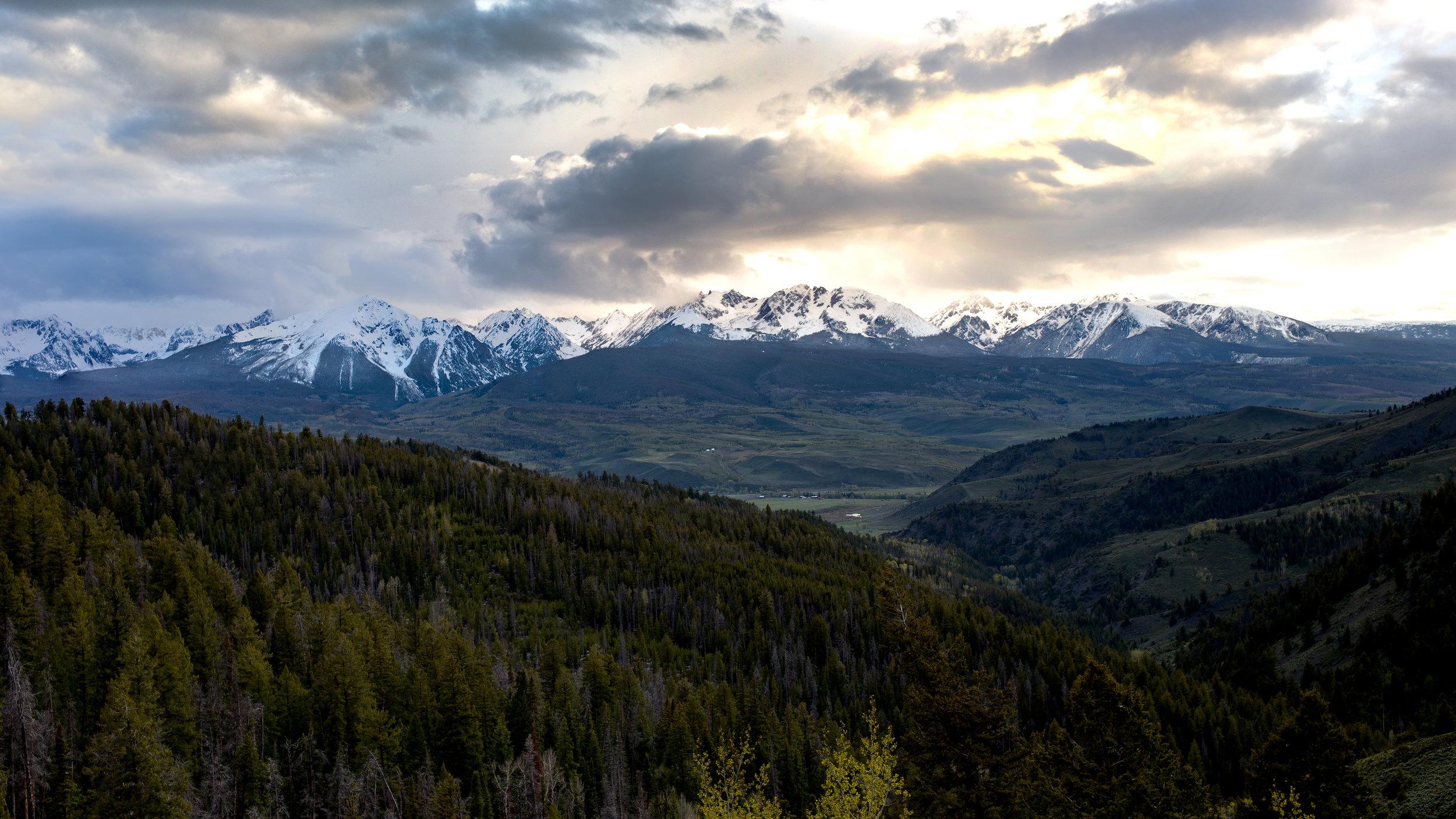 mountains1-cropped.jpg