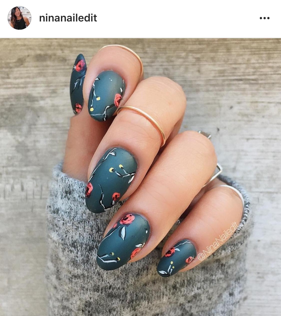 Gucci nail art