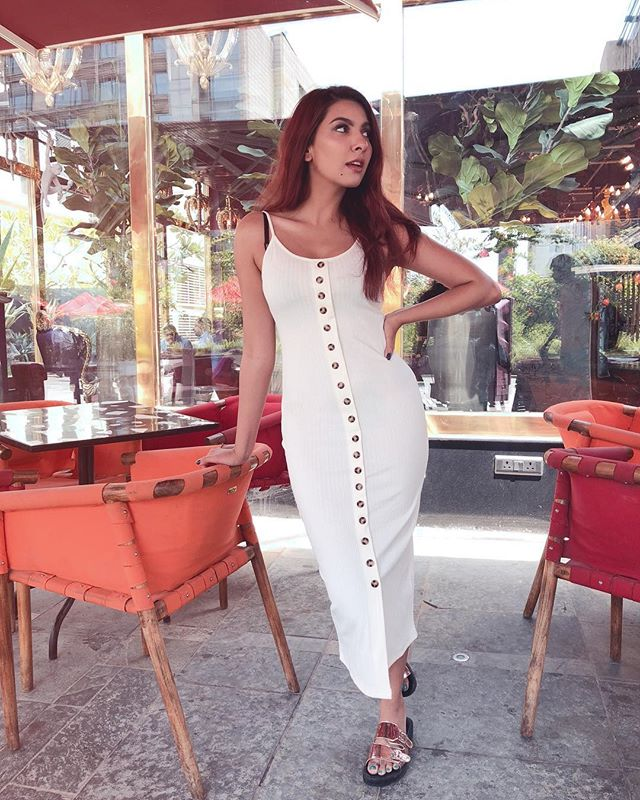 Tanned and I love it! #BTS from today's shoot💋 Now sitting down to select pictures as I upload this photo  Love how simple yet so so stunning this white button down dress isssssss💯💯💯 #ootd #allwhite
