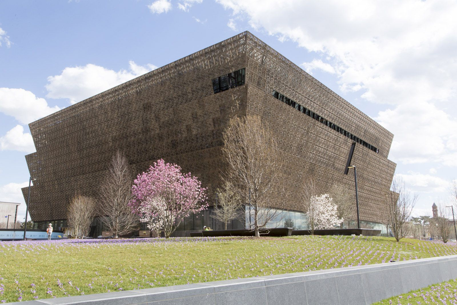 Adjaye Associates ; The Smithsonian Museum of African American History