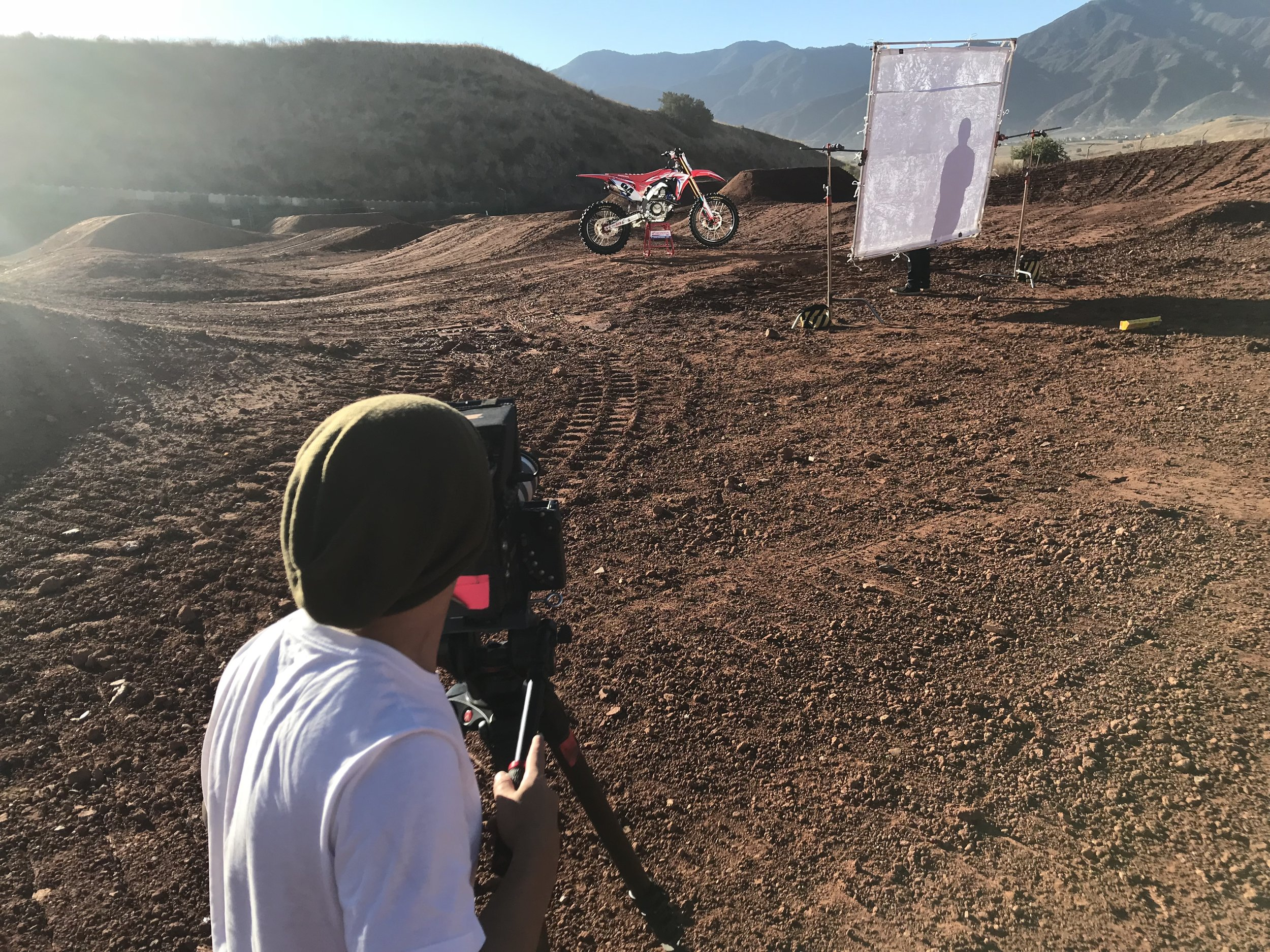 To generate materials for the 2018 season, we held a dedicated photo/video day with riders Ken Roczen and Cole Seely.