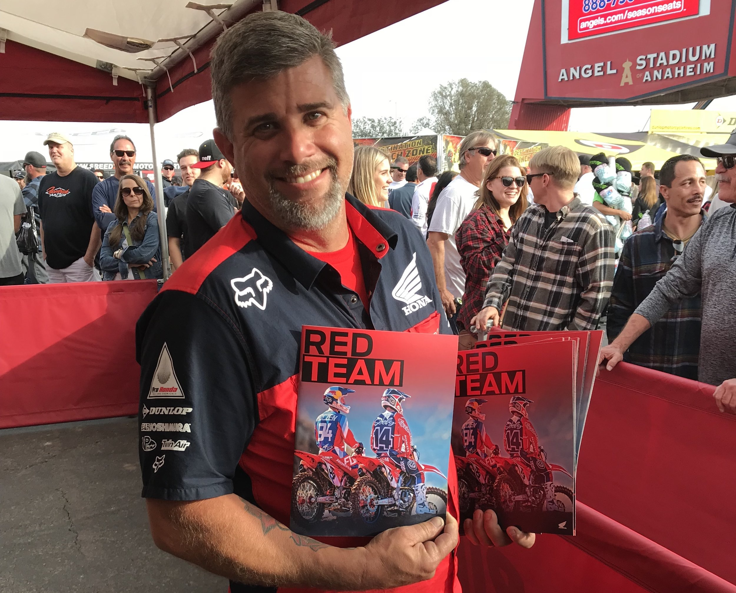 For the 2018 season, we published a special magazine on Team Honda HRC, which the squad distributes to partners and fans at the races.