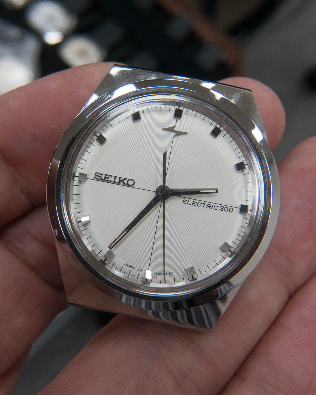 Electronic EL300