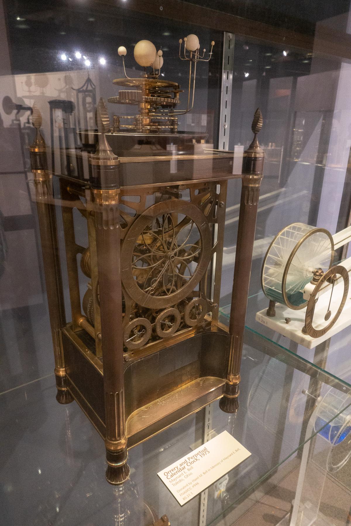 Orrery & Perpetual Calendar Clock