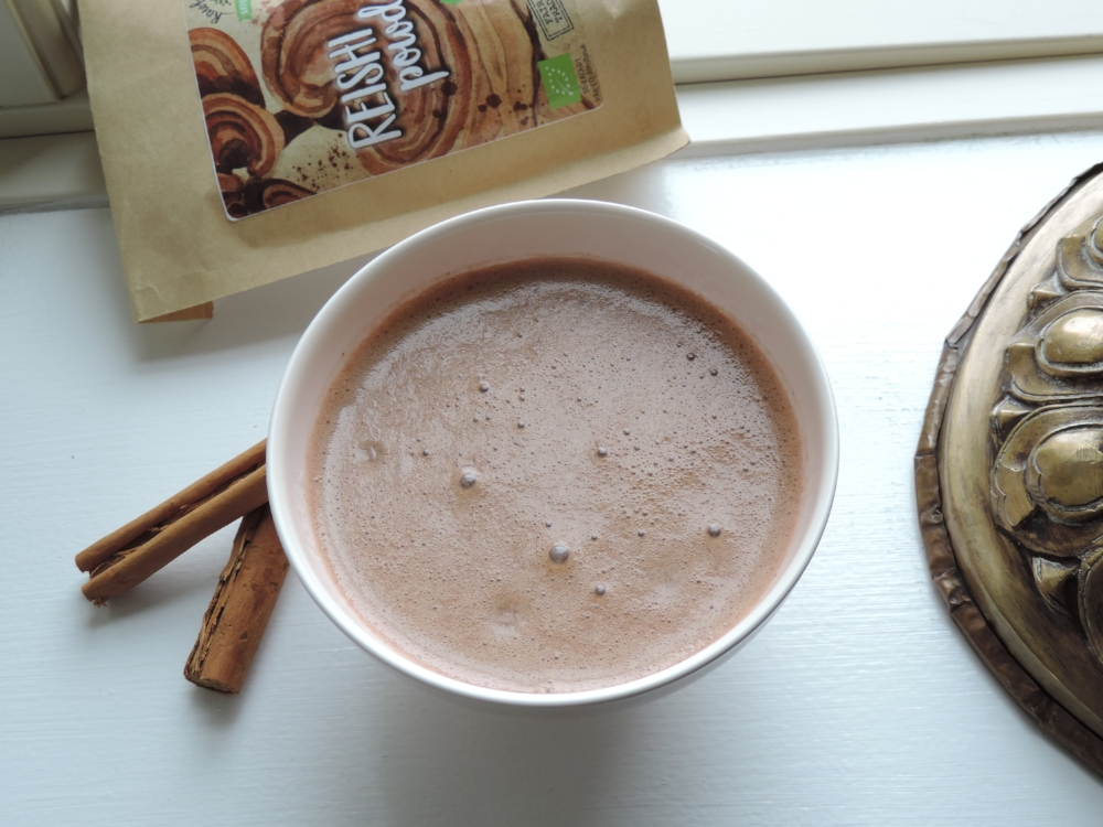 Matcha teacup borrowed from  Den franske tehandel