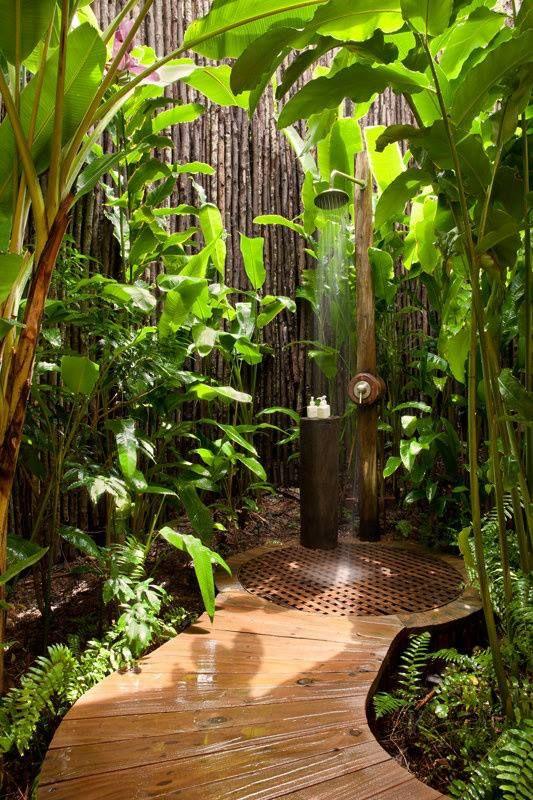 Outdoor shower heaven