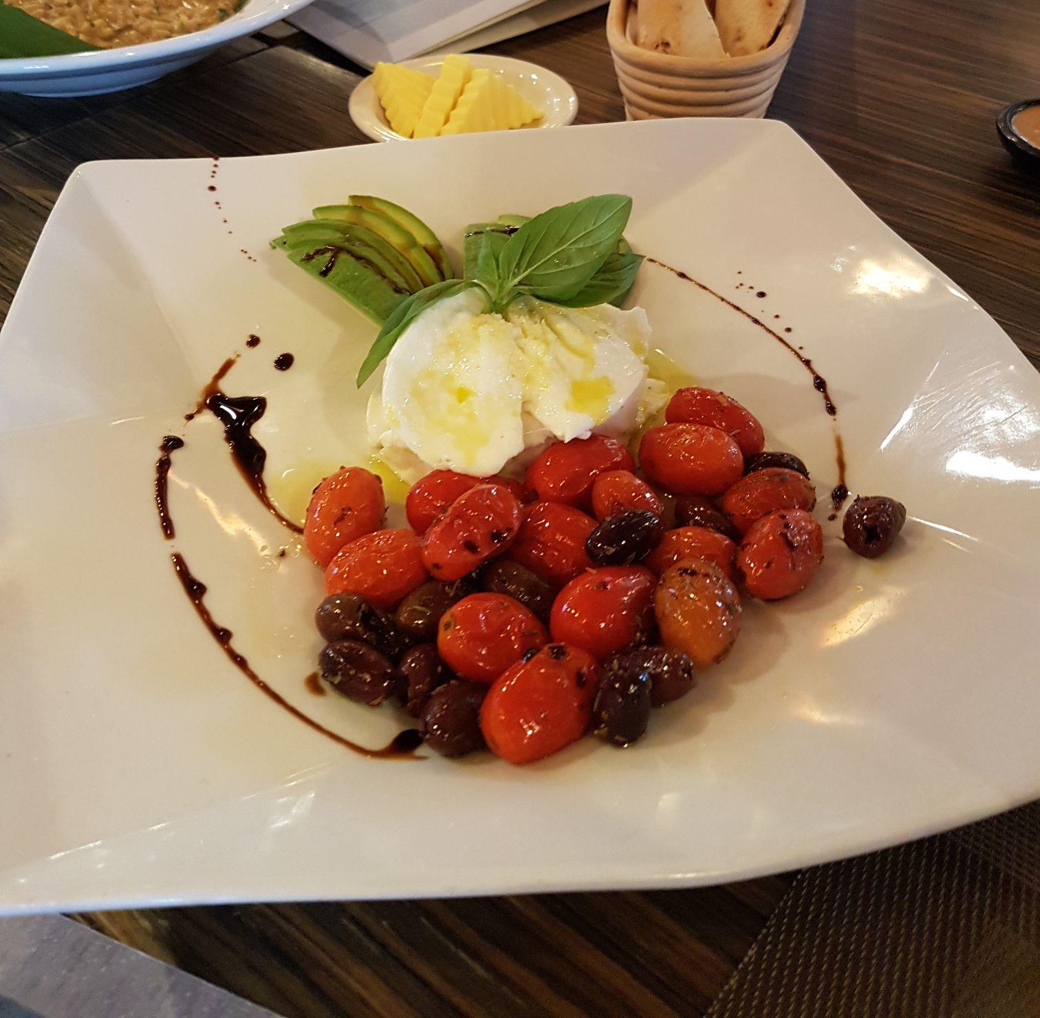 Bocconcini, Tomato and Avocado Salad