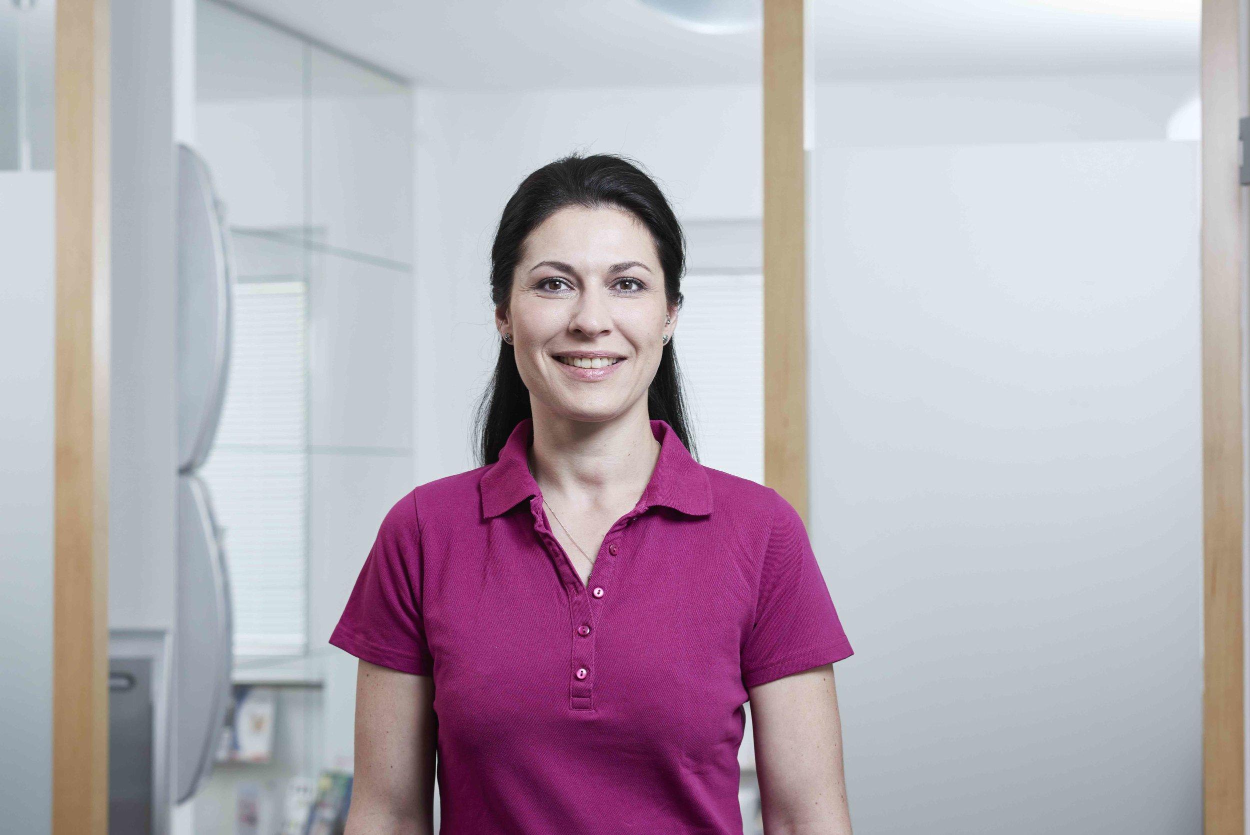 Hautarzt-Weinheim_Dr-Nina-Mueller_Mitarbeiter_Jasminka Deovic_012.jpeg