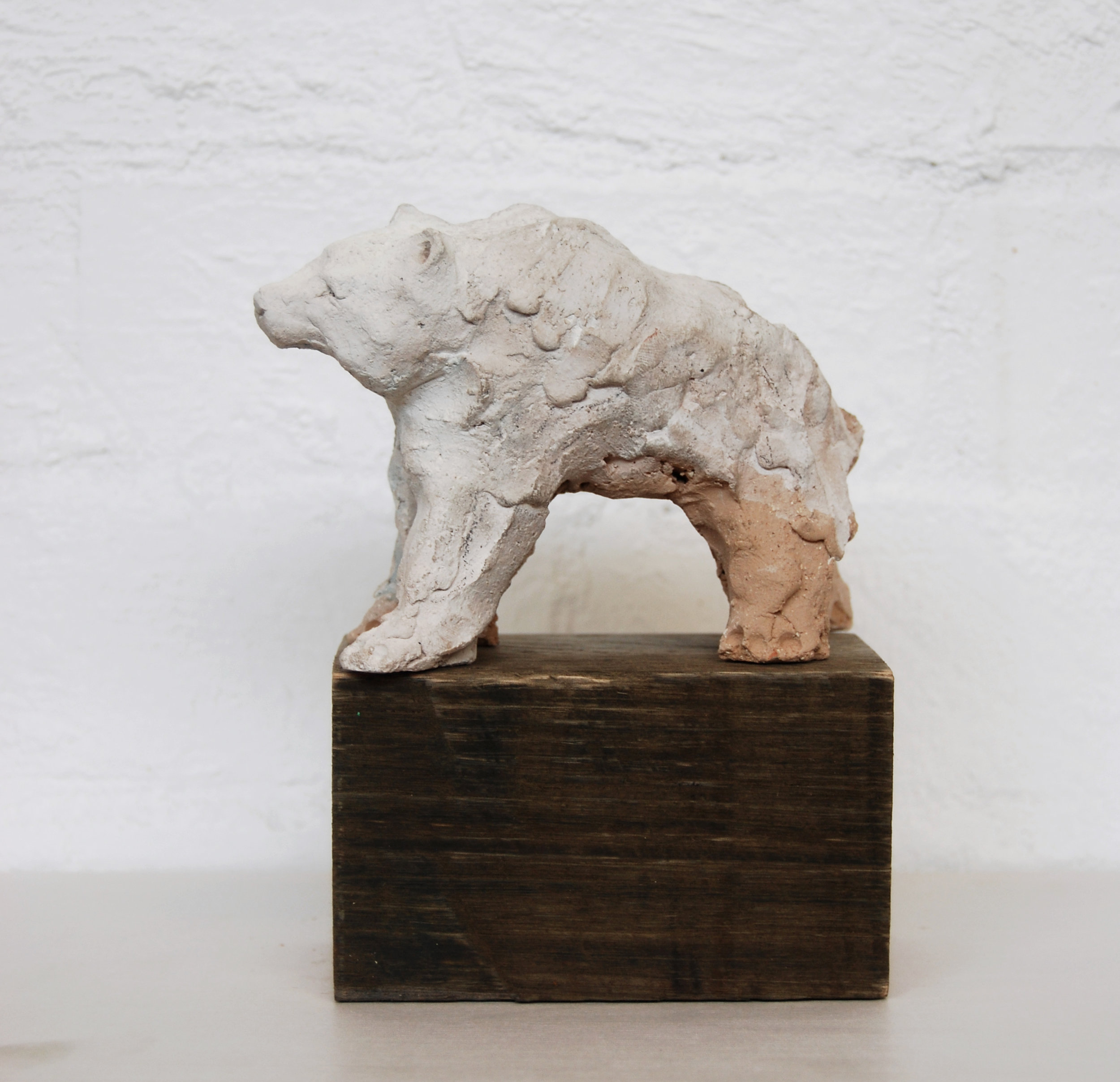 Justin Williams, I saw something white in the forest , 2014, stoneware and raw pigments, 12 x 38 x 12cm