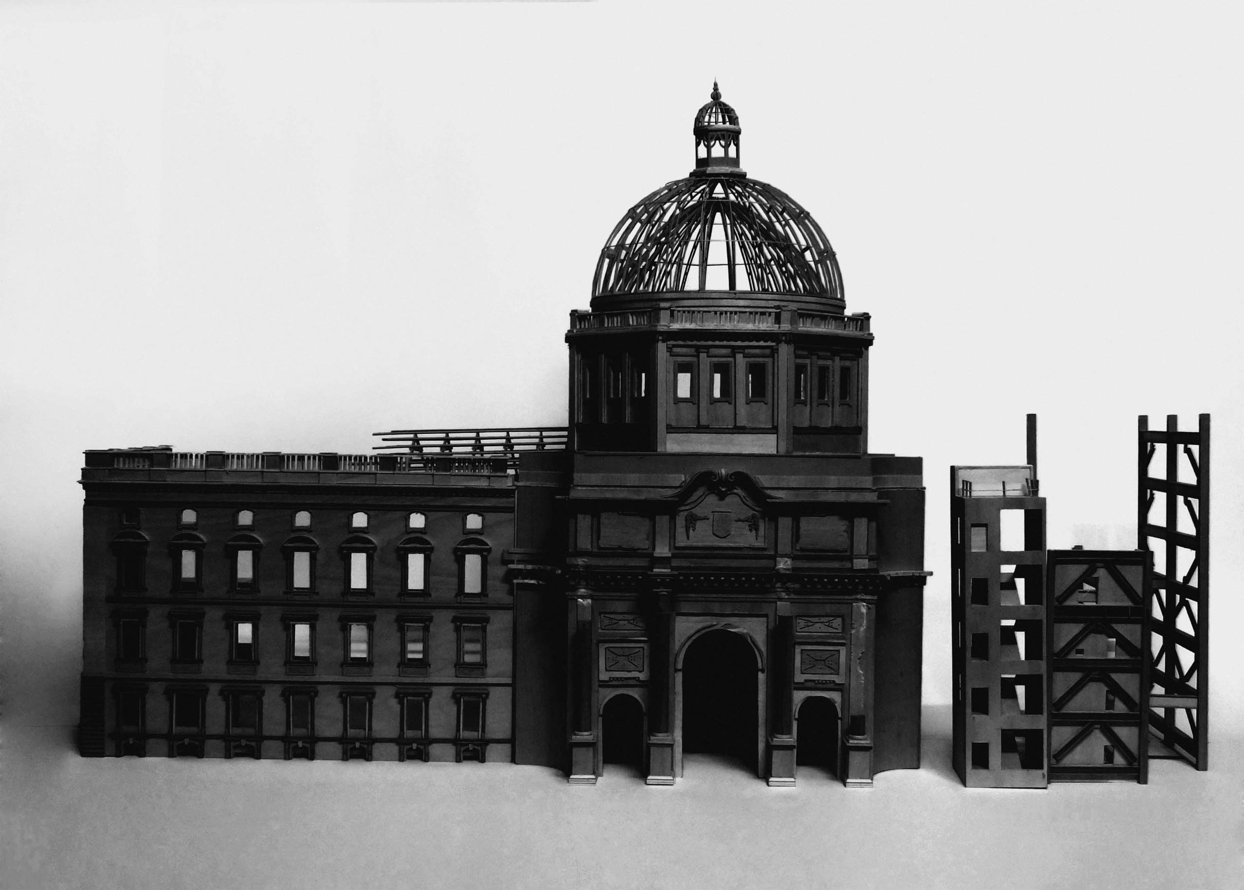 Simon MacEwan, What is lost outwardly must be won inwardly –Berliner Stadtschloss 1702-1950, Palast der Republic 1976-2008, 2014 , plywood, wood, travertine, steel, glass and acrylic