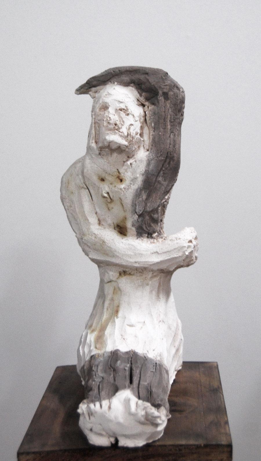 Justin Williams, Untitled , 2014, stoneware ceramic, 25 x 22 x 10cm