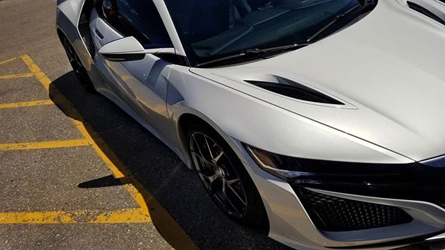 You know the owners in the building when this whip pulls up! The Acura NSX.  #acura #acuransx #supercars #horsepower #carsofinstagram #casinowhite #fastcars #funcars #cars #nsx #2018nsx #beautifulcars #automotivephotography #automotive #autos #automotivegramm #automotivedaily #automotivedesign #carshoot