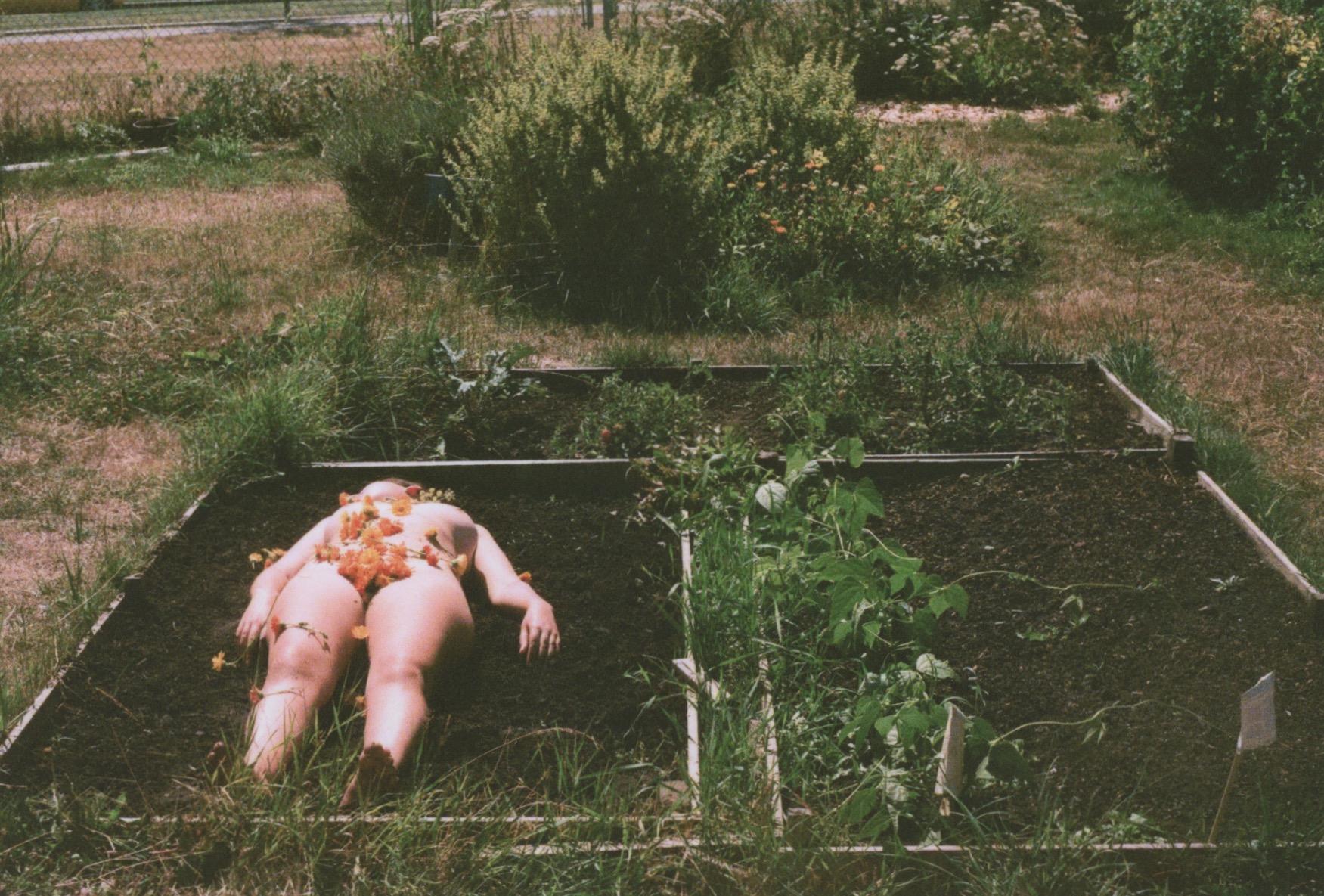 gardenerotica6.jpeg