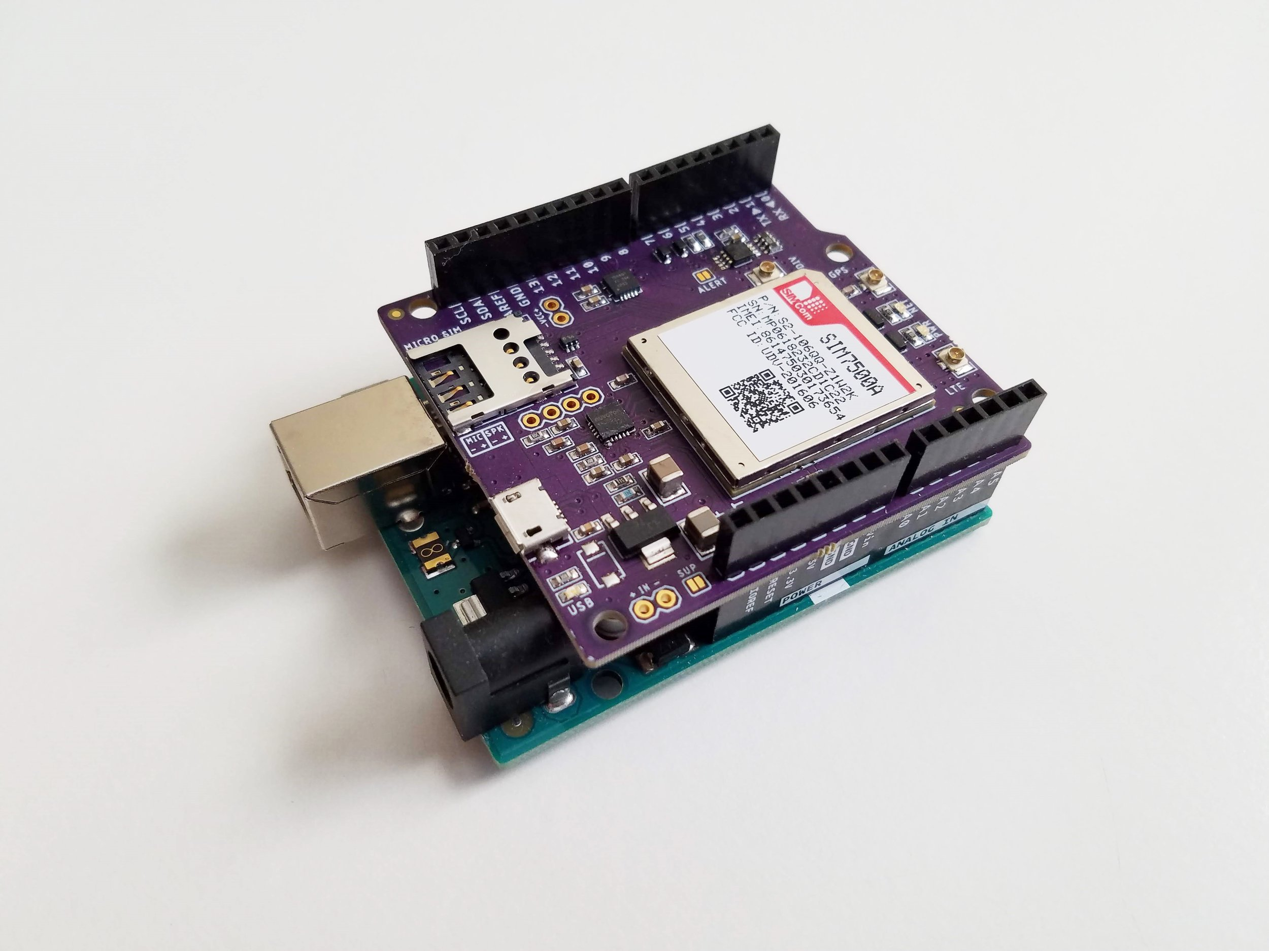SIM7500 Shield on Uno.jpg