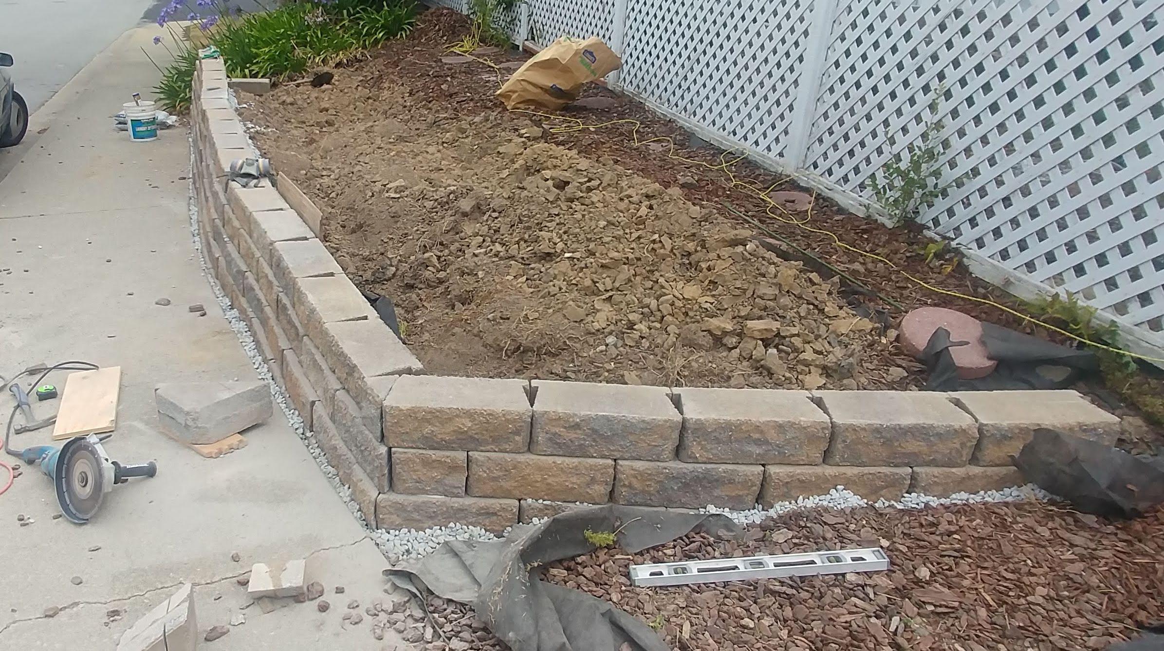 cutting-blocks-for-masonry-wall.jpg