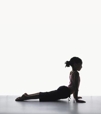 Practicar Yoga Con Niños Los Primeros Consejos Y Nociones De Ramiro Calle Letras Kairós