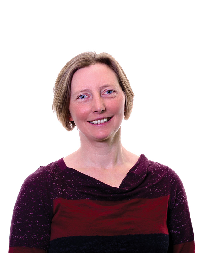 Rebecca Crane , autora de   Terapia cognitiva basada en el mindfulness (MBCT)  .