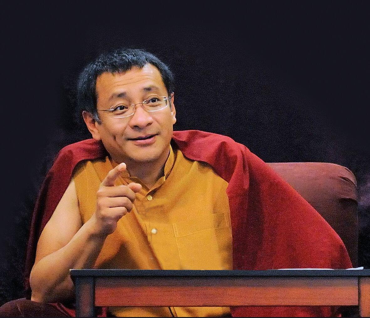 Dzogchen Ponlop Rinpoché , autor de   El buda rebelde  .