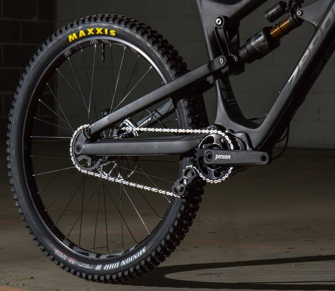 - Your chain won't fall offSince the chain/belt never leave the single front & rear sprockets, it is extremely unlikely that the chain will hop off, even during the roughest descents.