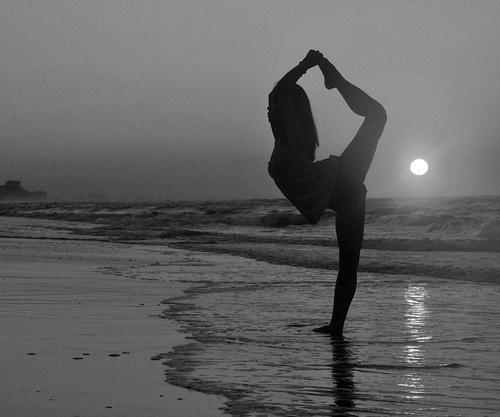 moon_dancer_pose_grande.jpg