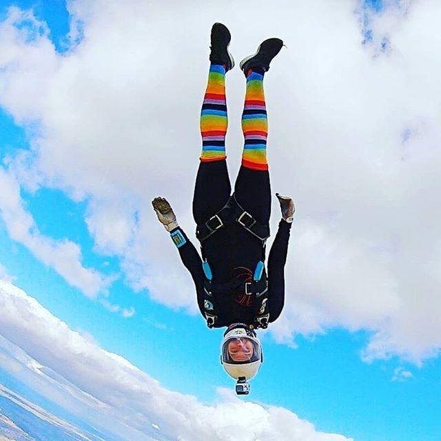 Dekunu Ambassador and all-around legend Domi going 🌈#FullJoyrider 🌈 over Skydive Madrid. .⠀⠀ .⠀⠀ .⠀⠀ repost @domikiger  #rainbow #feeltherainbow #betherainbow #dekunu #dekunutech #flydekunu #dekunuone #smartalti #altimeter #alti #gps #gpstracker #flightcomputer #skydiving #skydive #skydiver #dekunugram #freefall #adrenaline #extremesports #skydivingtechnology #skydivingposts #skydivinggram #skydivingphotography #skydivinglovers #skydivingadventure #skydivingpics #skydivinglife #dekunualtimeter