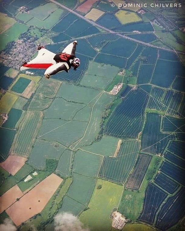 "Doesn't matter how good you get, there's always something new to learn 😎. One of our UK test jumpers and tech expert, Mark Fleming (@Mutley247), just completed his wingsuit first flight course.⠀ Photo credit to @dominicchilvers ""⠀ #swsfire #dekunutech #dekunuone⠀ .⠀ .⠀ .⠀ #wingingit  #wingsuiting⠀ #dekunu  #flydekunu #dekunuone #smartalti #altimeter #alti #gps #gpstracker #flightcomputer #skydiving #skydive #dekunugram #freefall #adrenaline #extremesports #skydivingtechnology #skydivingposts #skydivinggram #skydivingphotography #skydivinglovers #skydivingadventure #skydivingpics #skydivinglife #dekunualtimeters"