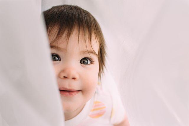 This girl. Those eyes. She had me at hello! ✨⠀ .⠀ .⠀ .⠀ .⠀ .⠀ .⠀ .⠀ .⠀ .⠀ .⠀ #haleykinziephotography #oklahomacityfamilyphotographer #okcfamilyphotographer #edmondfamilyphotographer #oklahomafamilyphotographer #okcfamilyphotographer #okclifestylephotographer #edmondlifestylephotographer #oklahomaphotographer⠀ #motherhood #dearphotographer #dpmagfaves #thelifestylecollective #candidchildhood #magicofchildhood #motherhoodthroughinstagram #honestmotherhood #igmotherhood ⠀ #expressionsofmotherhood⠀ #motherhoodunplugged ⠀ #portrait #childhoodportrait #childhoodeveryday ⠀ #our_everyday_moments #babygirl ⠀ #letthembelittle #thefamilynarrative ⠀