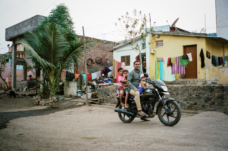 India Documentary Rachelle Derouin Photographer-70.jpg