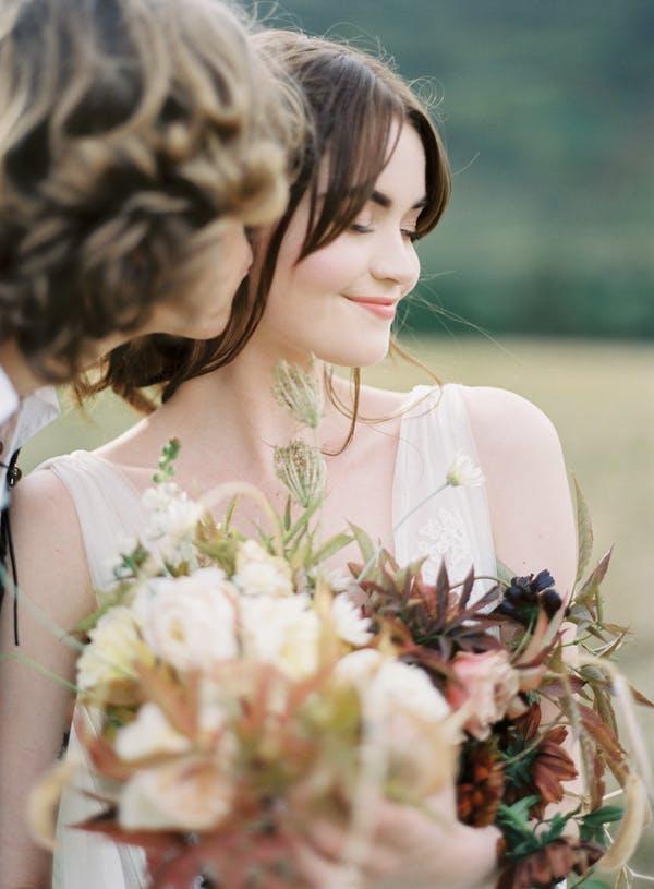 Alice Beasley flowers autumn wedding bouquet