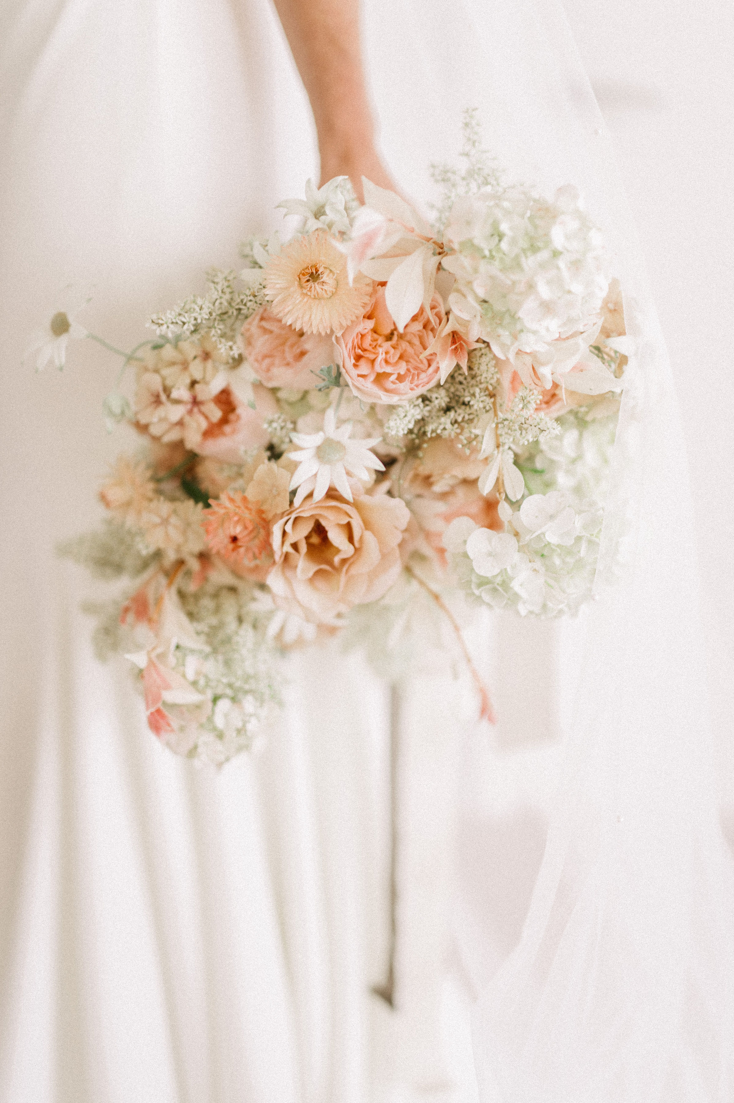 late summer textural bridal bouquet.  Soft and romantic wedding flowers