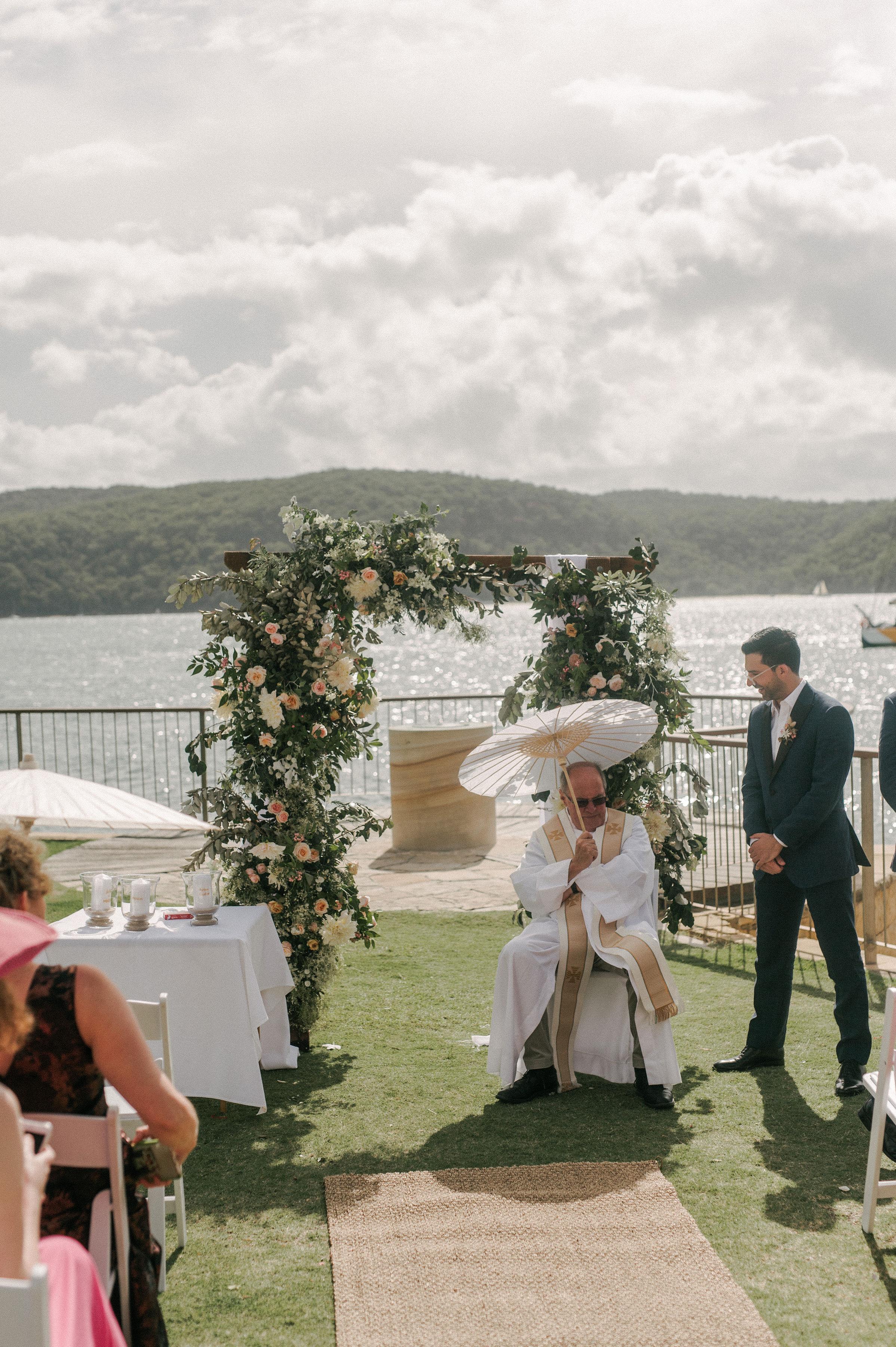 sydney beach wedding. textural and romantic wedding flowers. native australian wedding flowers