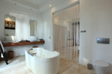 villa-suite-bathroom-s.jpg