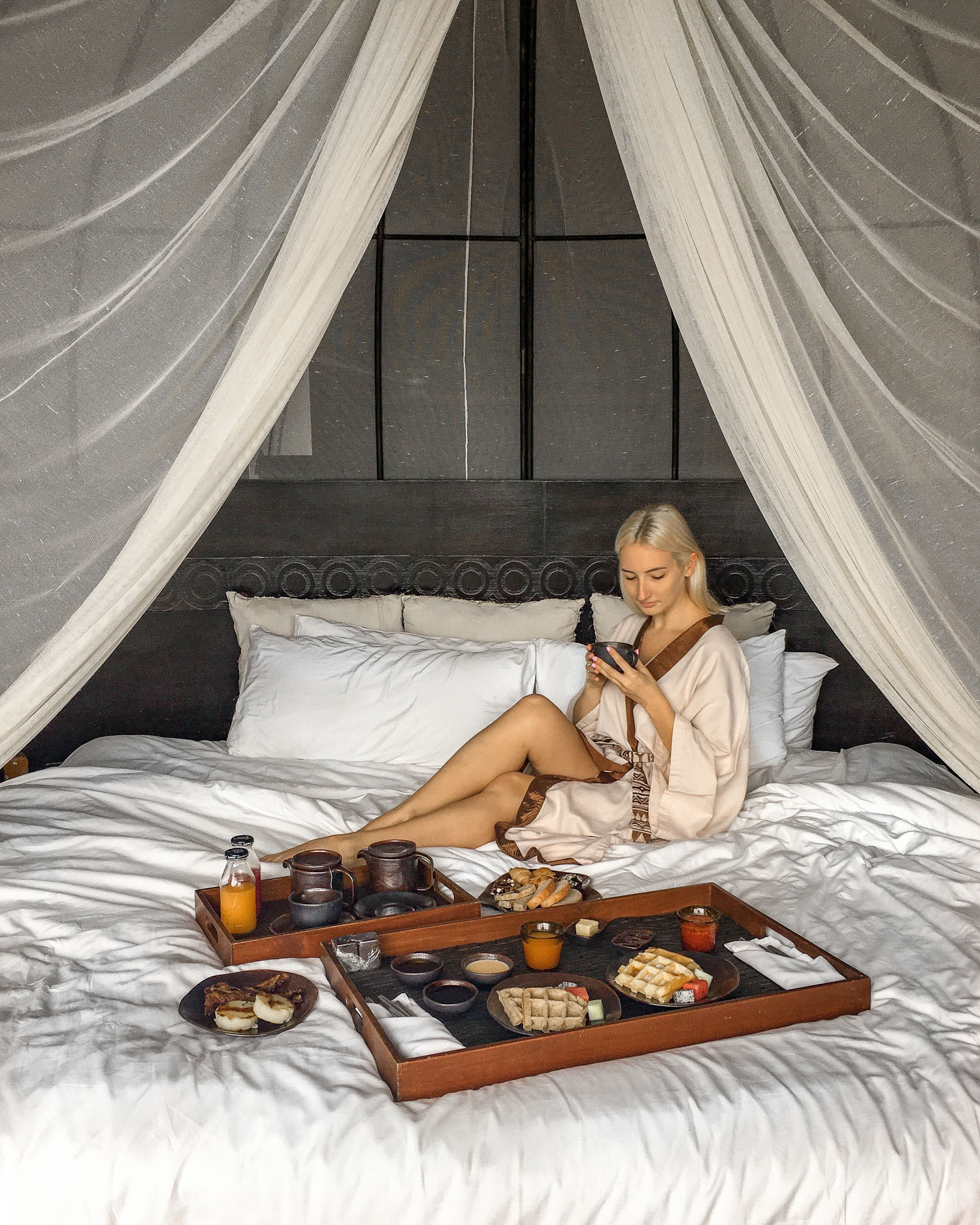 Gluten free breakfast in bed at keemal | How to pick a hotel when traveling with a food allergy