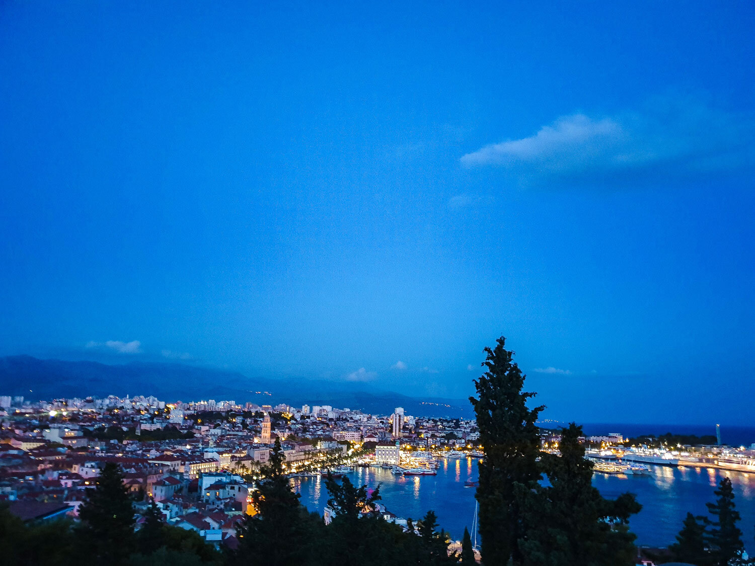 Night view of Split from Teraca Vidilica