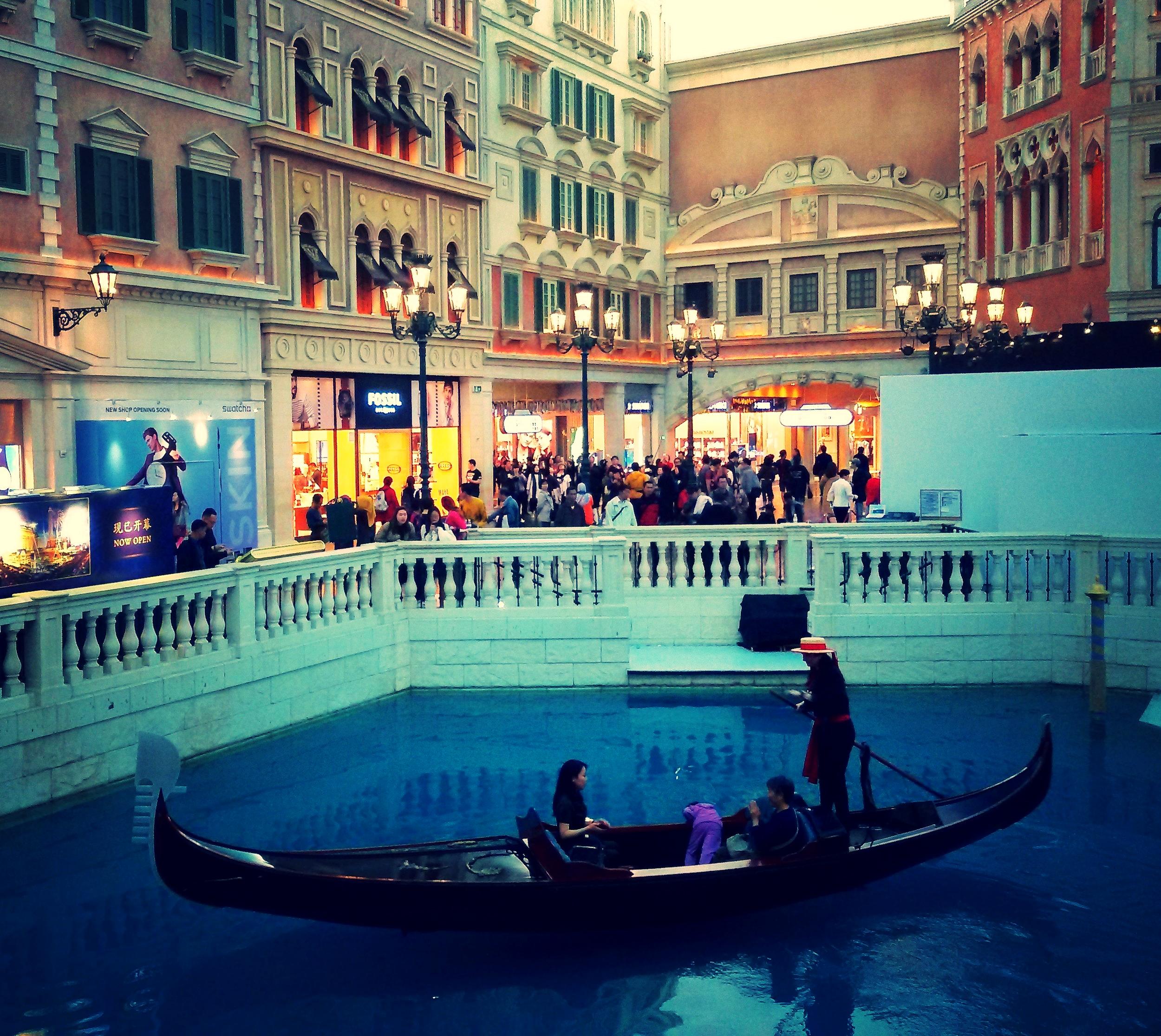 Inside the Venetian: fake lagoon