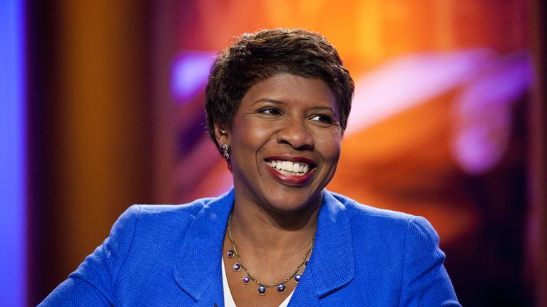 gwen-ifill-writing-on-glass
