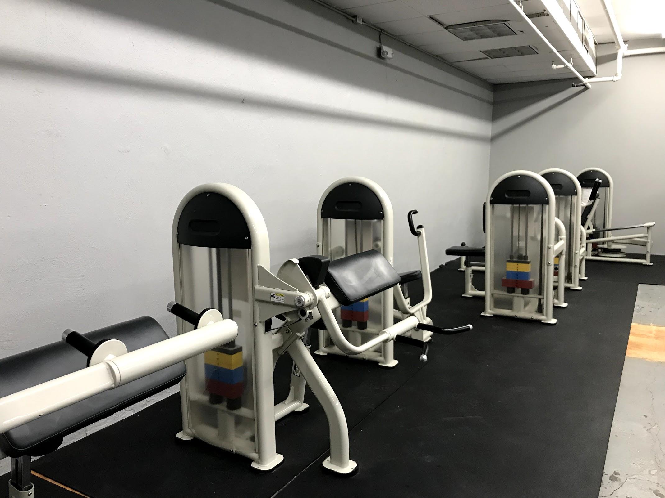 weight machines.jpg