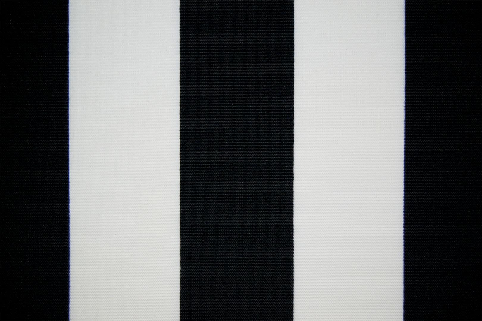 205_43042_blackWhite