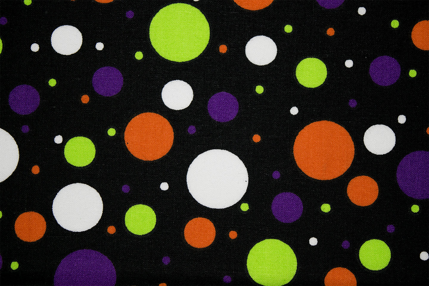 225_46433_MultiDots2Black