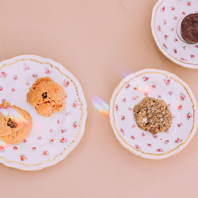 The perfect set up for a Thursday tea party. ✨ We're thinking we should make tea parties a common occurrence again - what a delightful way to slow down, recenter and drink all the tea + eat all the treats. 📷: @poppiphotography