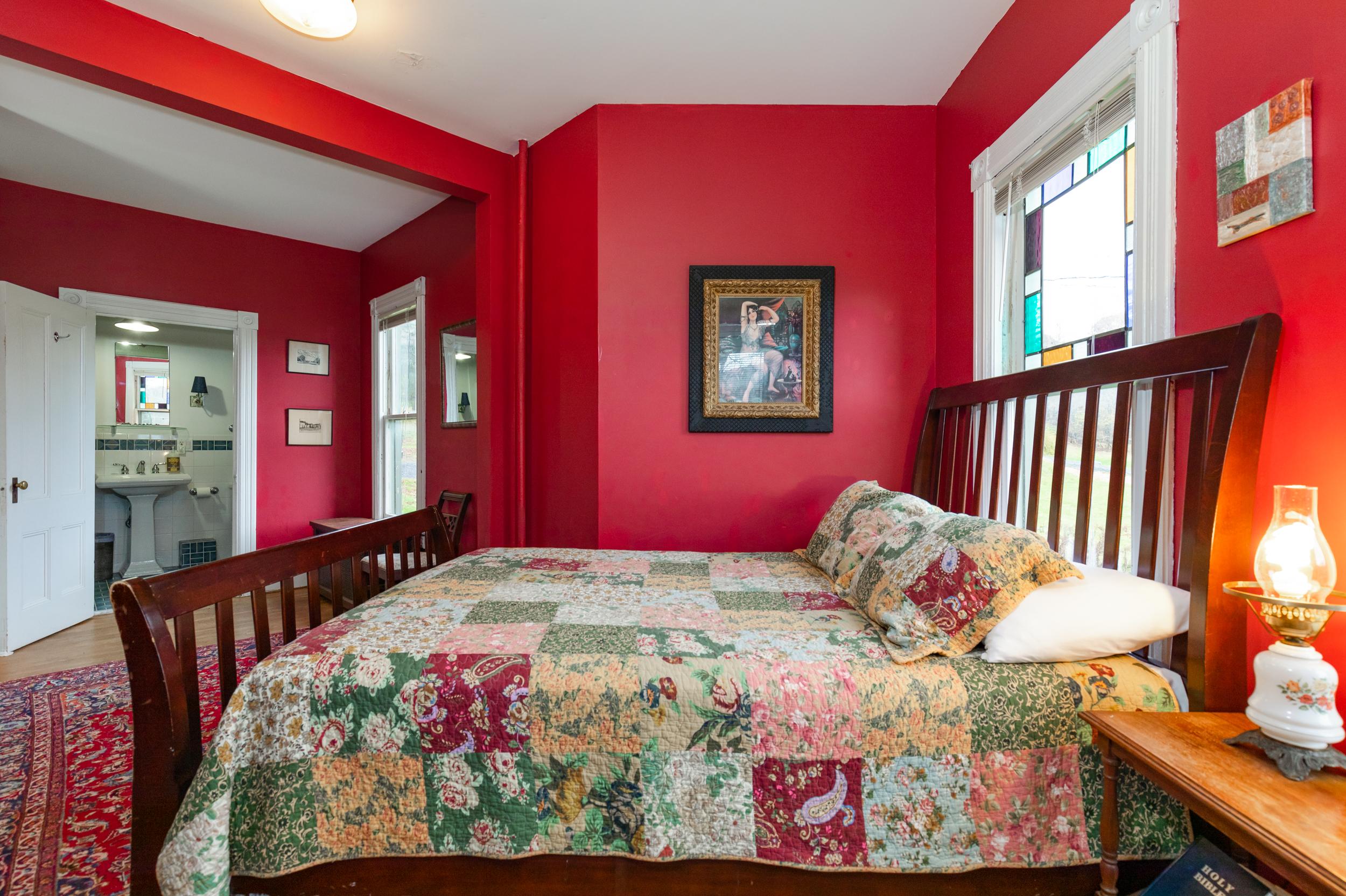 Windham    Queen, En-Suite Bath • from $95