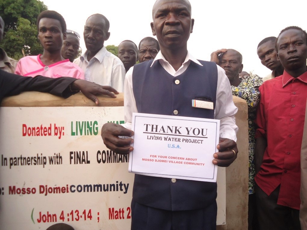 The village chief of Mosso Djomei and other residents express their gratitude. This well is serving more than 900 people with life-giving clean water.