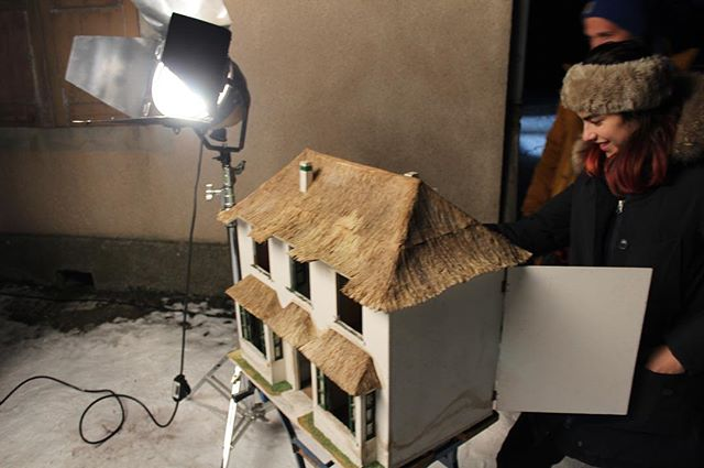 Getting crafty. . . . . #dollhouse #aliceinwonderland #thatchedroof #bts