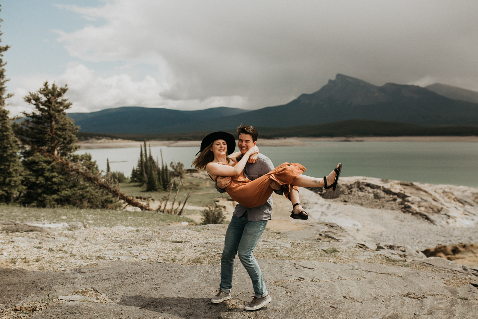 Canmore_Mountain_Engagement_Session-4.jpg