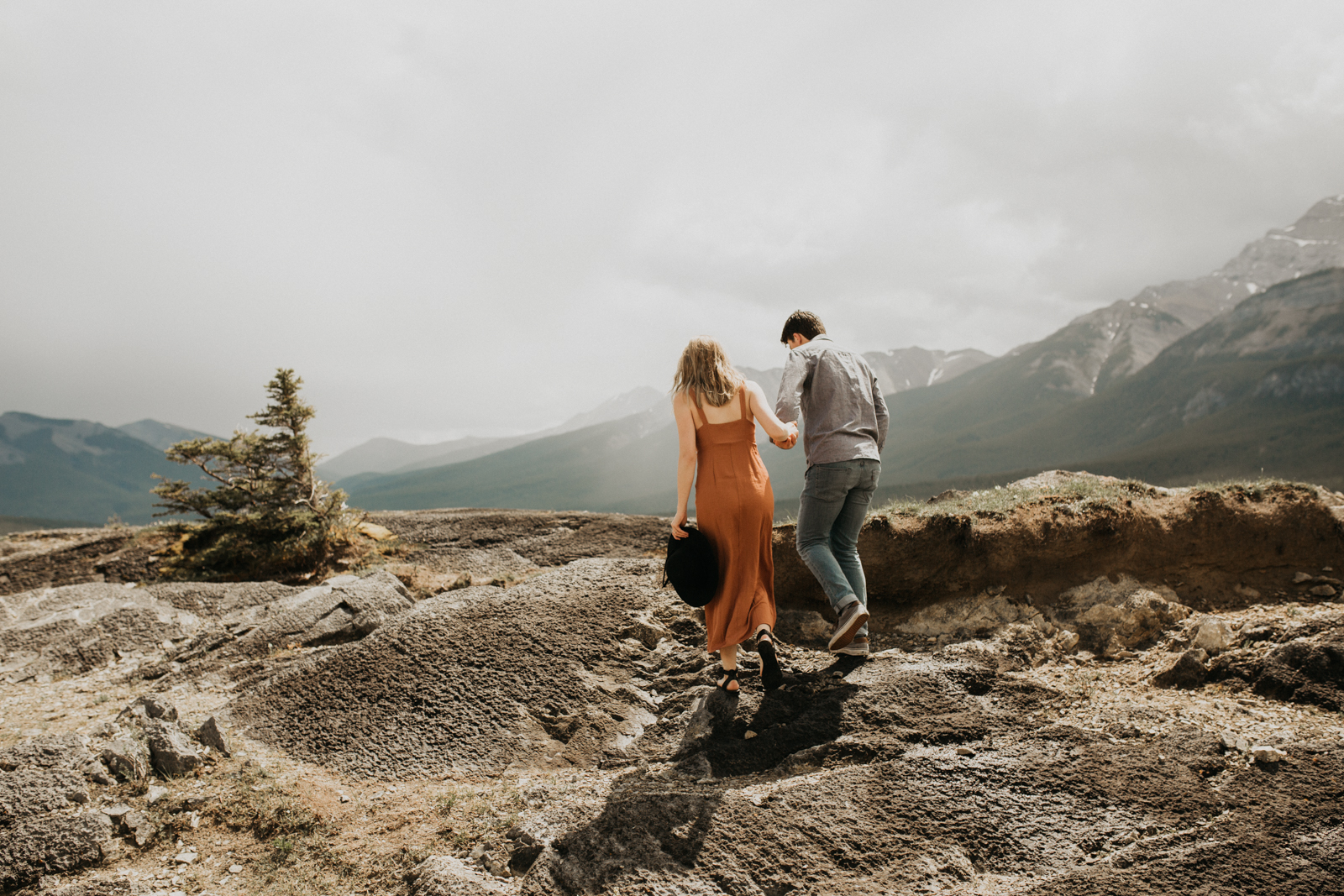Canmore_Mountain_Engagement_Session-10.jpg