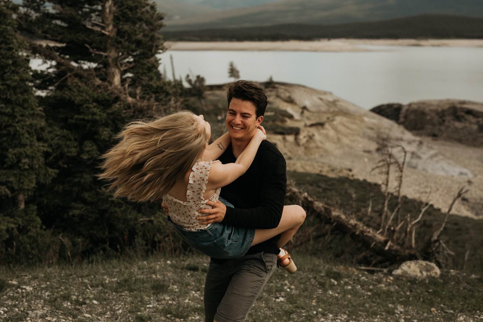 Canmore_Mountain_Engagement_Session-39.jpg