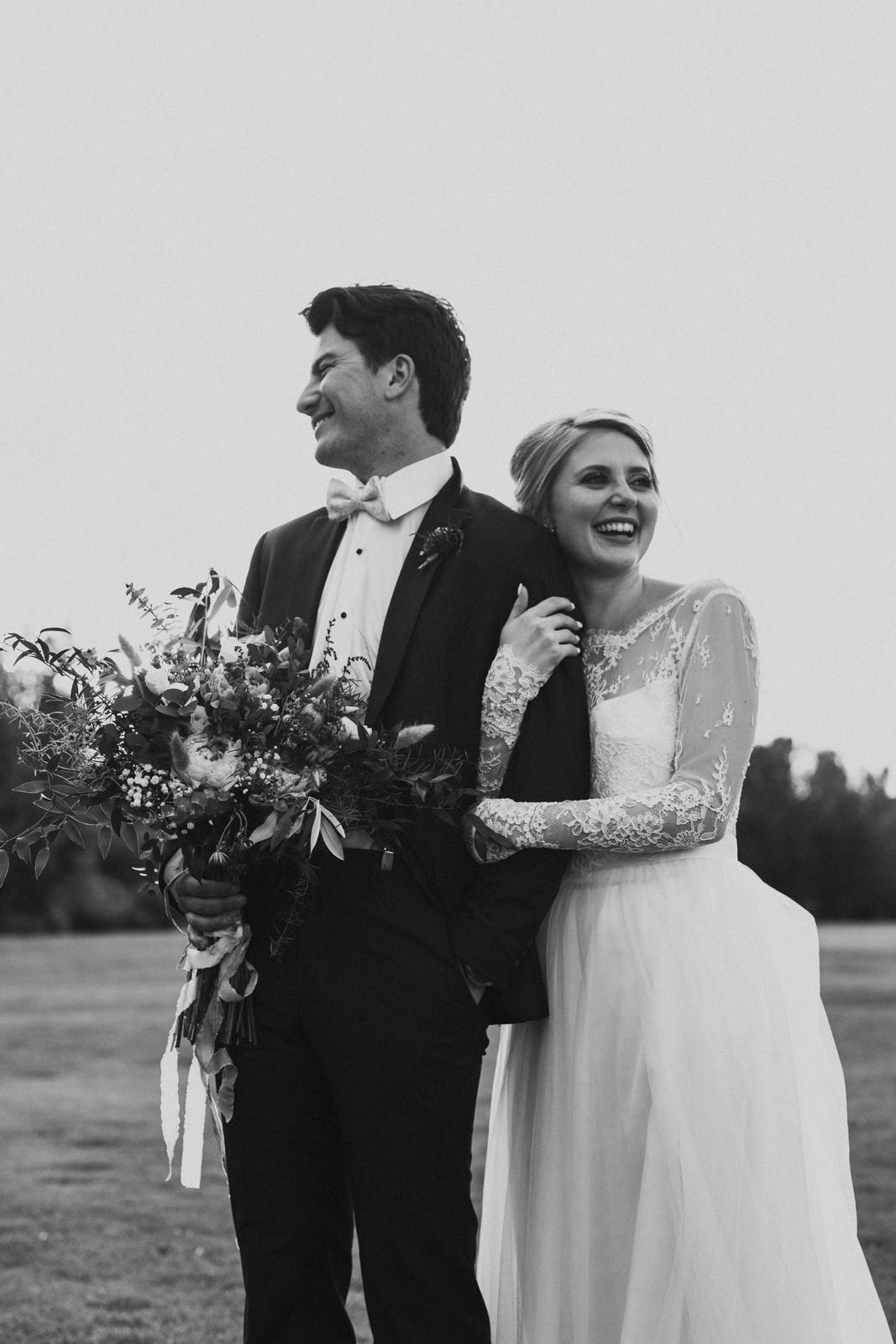 Edmonton_Sunset_Wedding_Photos-49.jpg