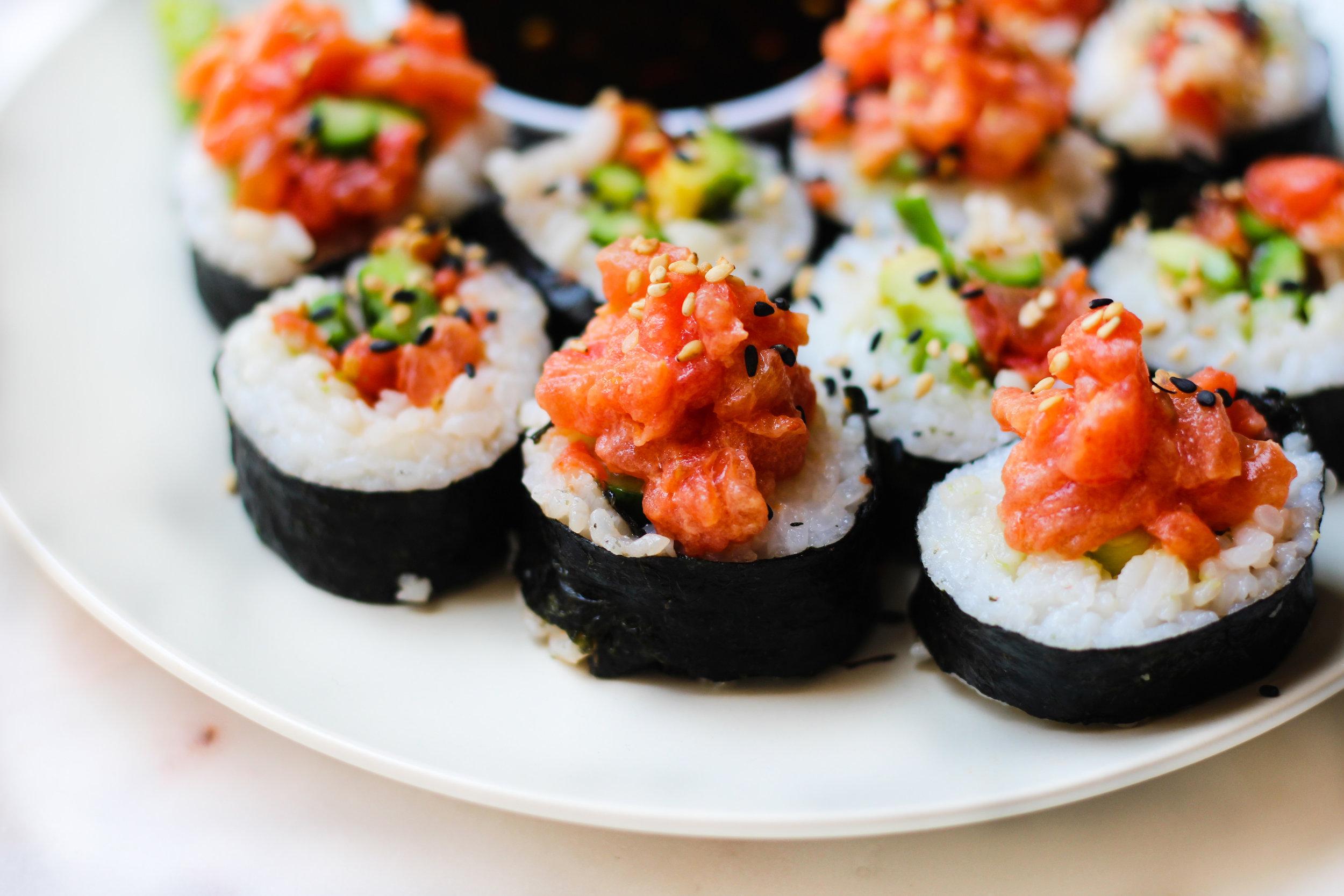 "Vegan Tomato Spicy ""Tuna"" Rolls"
