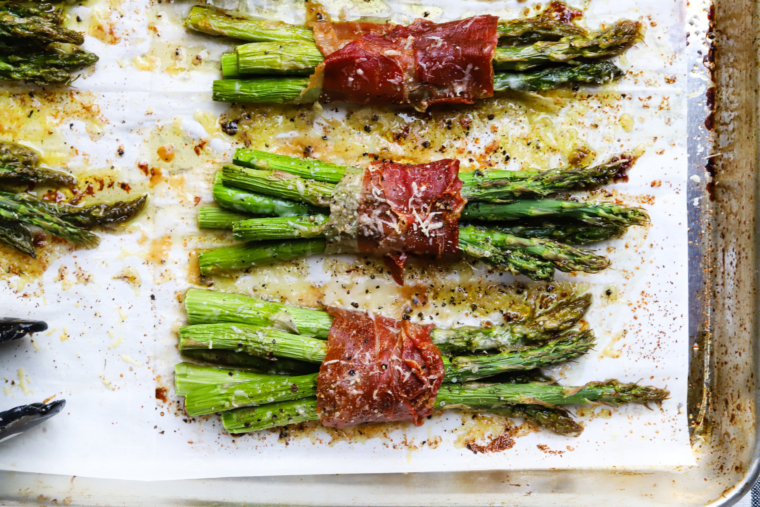 Cheesy Prosciutto Wrapped Asparagus